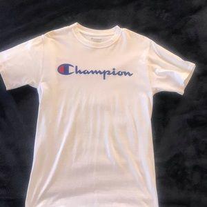 Like new Champion tee